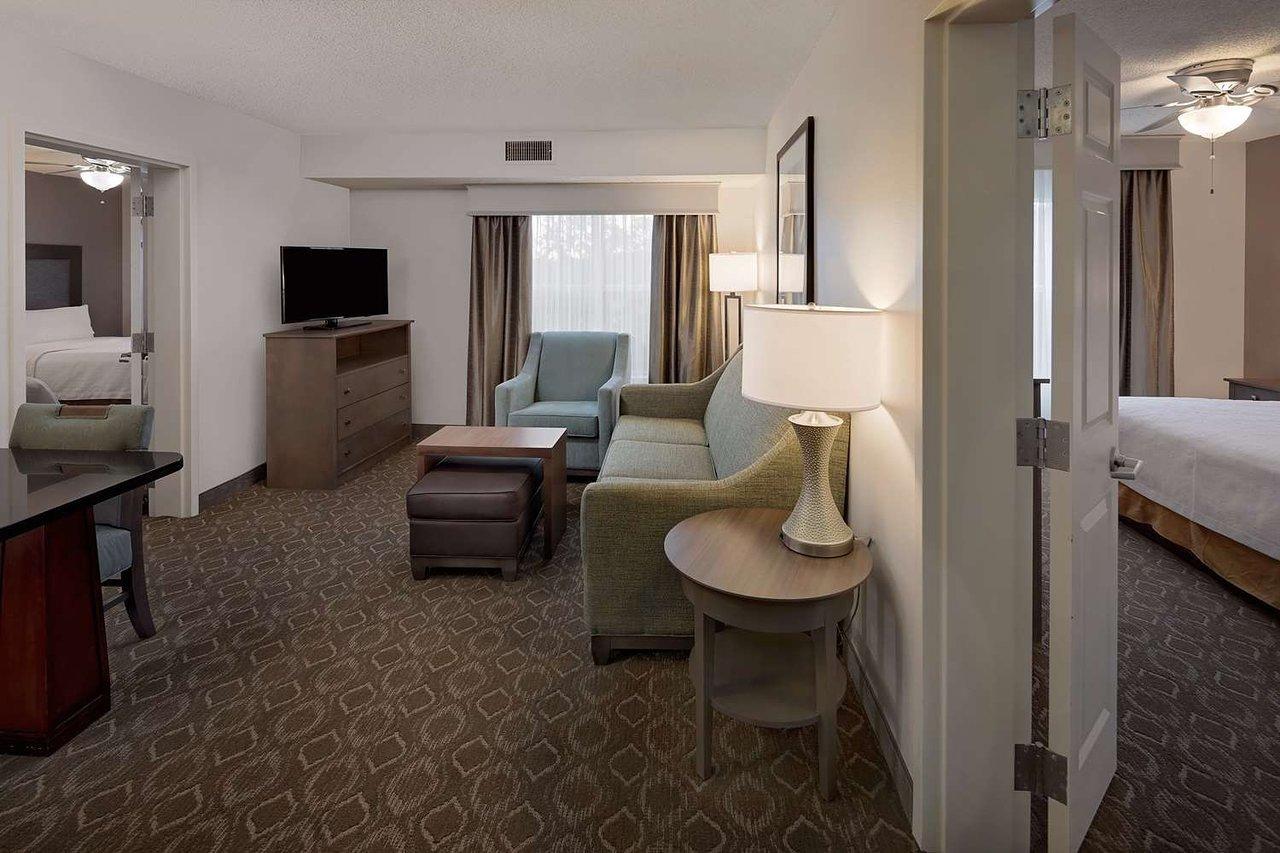 hilton hotel job application online